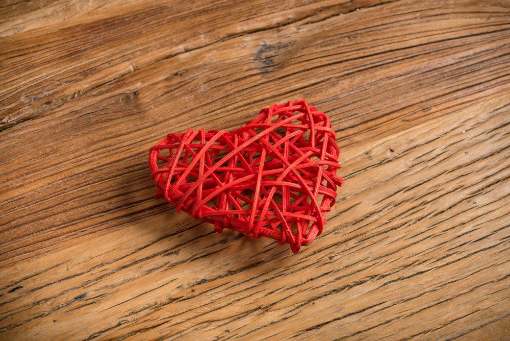 Corazón decorativo ratan trenzado rojo - LOVERSpack