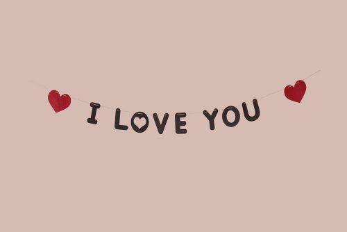 Guirnalda I Love You con Corazones Fieltro Negros y Rojos