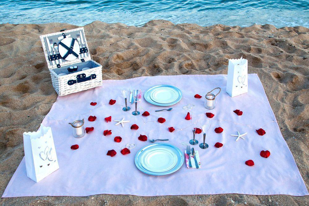 Prepara en minutos una mesa romántica al aire libre en la playa,campo,terraza, con nuestros Outdoor Packs.¡Sorprende a tu pareja con una velada inolvidable! LOVERSpack